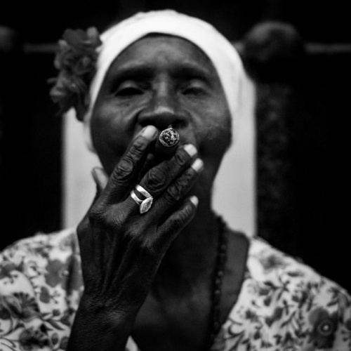 Street Photography by Bastian Saude #inspiration #white #black #photography #and