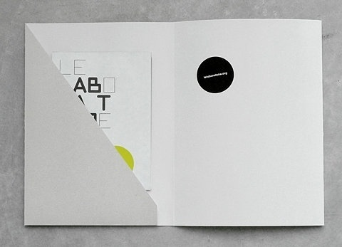 ea668f6db635f67d30070c78175d433833da77c1_m.jpg (480×347) #graphics #print #brochure