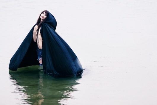 Javier-Lovera2.png 600×400 pixels #cape #water #woman