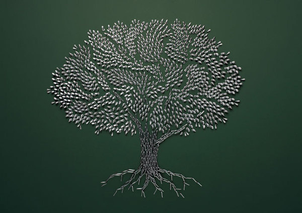 Pieces tree using small objects by Sarah Illenberger #tree #art