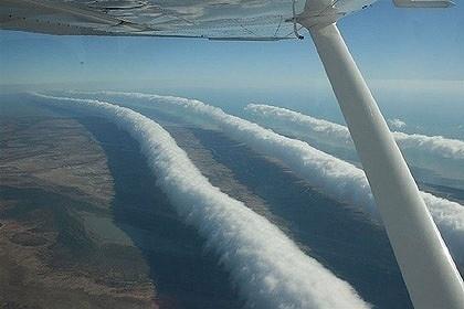 image005.jpg (JPEG Image, 420x280 pixels) #magnetic #plane #field #cloud