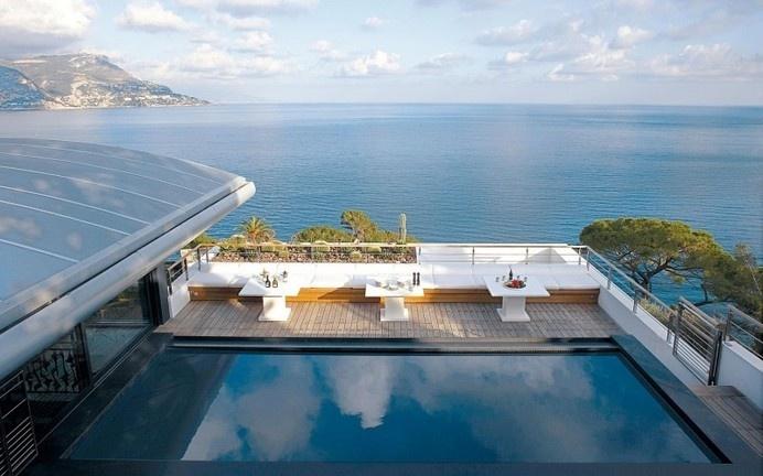 Villa O a splendid destination of French Riviera / www.homeworlddesign.com #french #villa #riviera