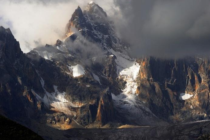 Mountainscape of the Rongme Ngatra ri looking on his glacier (Cho La Ri), Tibet