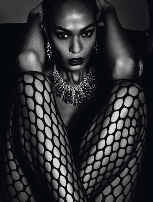 Fashion photography(Joan Smalls photographed by Mario Sorrenti for Vogue Paris, June/July 2013, vialabellefabuleuse) #fashion #photography