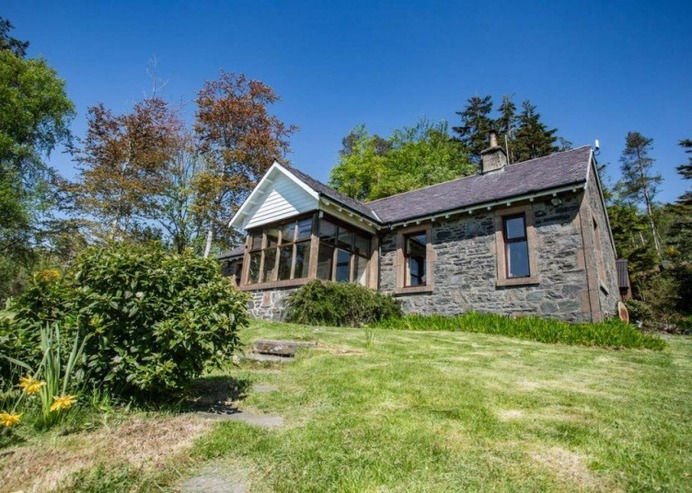 Off Grid Escapes in Scotland - Ivy Cottage