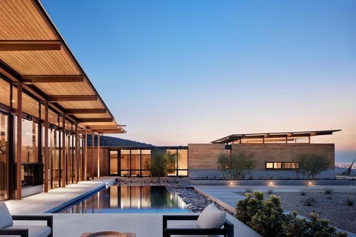 Horizon residence Overlooking the Las Vegas Valley and the Surrounding Mojave Desert
