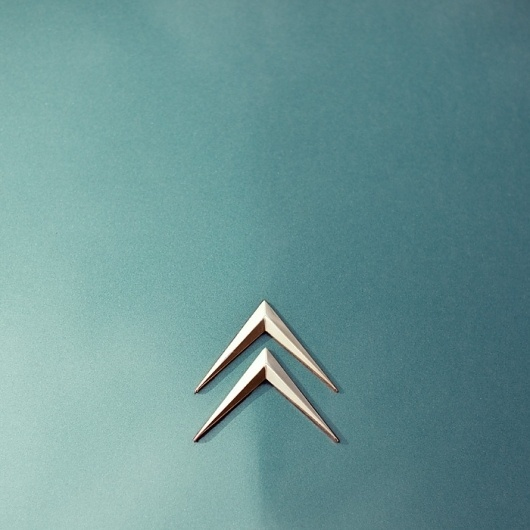 maerz11_04.jpg (JPEG-Grafik, 700x700 Pixel) #oldtimer #jochen #citroen #automobile #retro #photography #pach