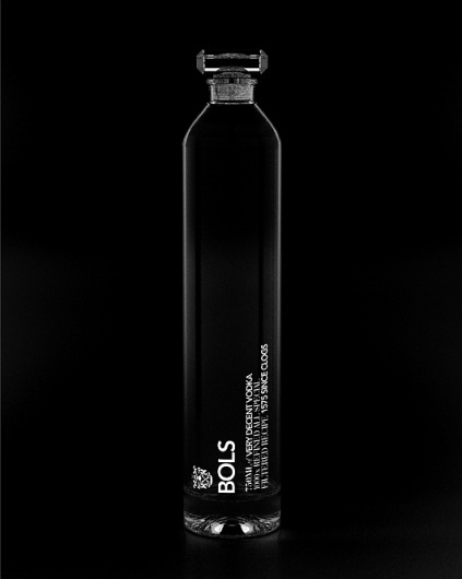 MASH - PURVEYORS OF THE FINE - ART DIRECTION & DESIGN - BOLS 1575 #packaging #black #glass #vodka #bols #mash