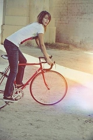 FFFFOUND! | On Display #gear #bike #girl #fixed