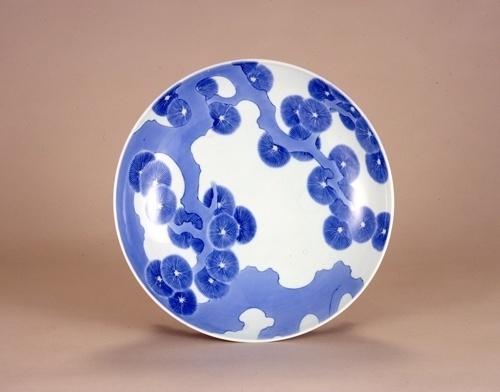Nabeshima Ware – Design that Inspire Pride | JAPANESE DESIGN #plate #design #porcelain #ceramic #japan