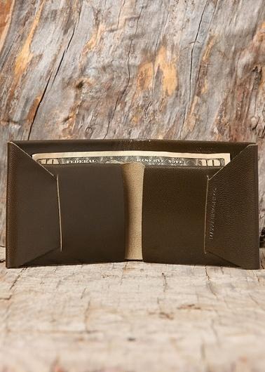 Blackbird - Maxx + Unicorn - Bi-Fold Wallet in Olivesque #seamless #leather