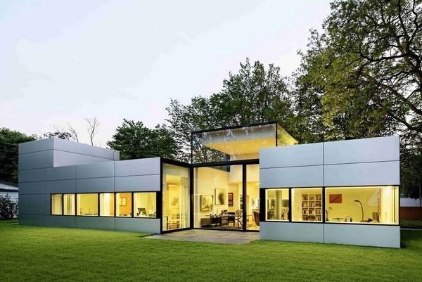 Modern Single-Story Cubical House With a Metal Facade in Cologne #architecture #germany #modern