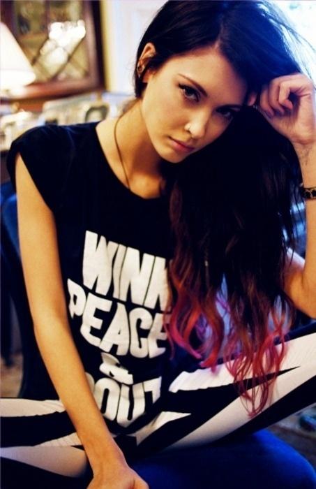 tumblr_lxlspmwvZ81qb2wvoo1_500.jpg (453×700) #beauty #peace #punk