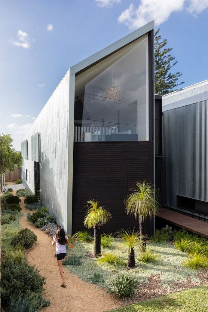 Iron Maiden House by CplusC Architectural Workshop 1