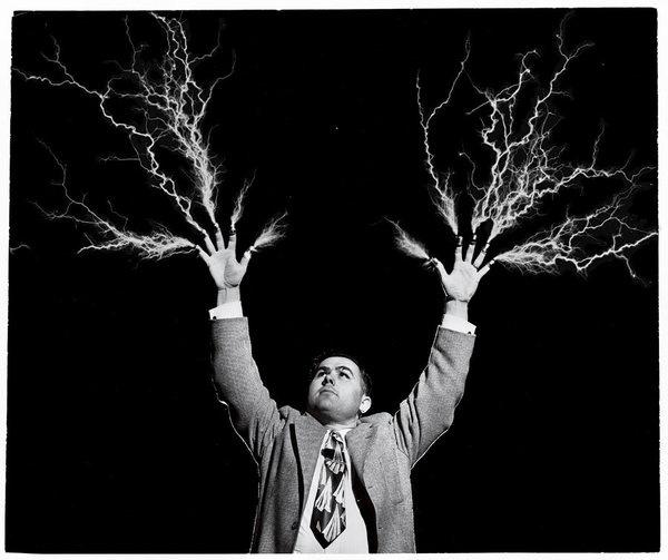 Juxtapoz FOUNDNATGEO35 #photography #electric