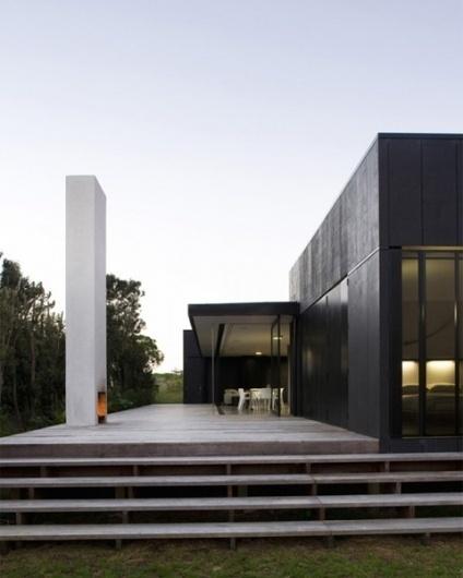 Sandhills Road House | CoolBoom #interior #white #design #black #architecture #and