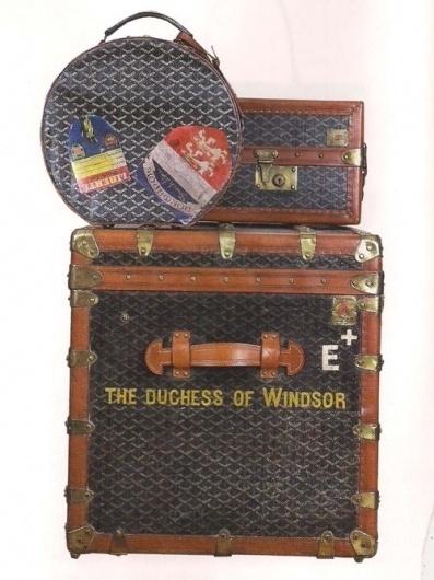 Sara Lindholm #suitcases #travel