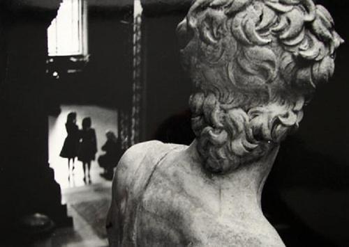 CAMARA DEMOCRATICA: TIBOR HONTY #sculpture #white #black #statue #photography #vintage #and #david