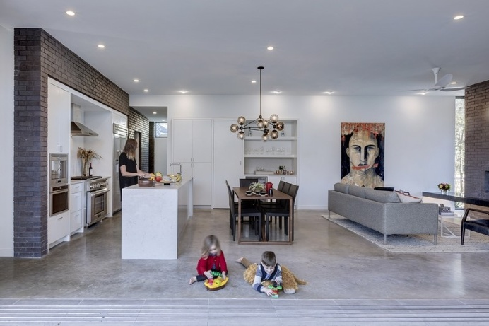 This Austin House Enables a Flexible Lifestyle – Main Stay House