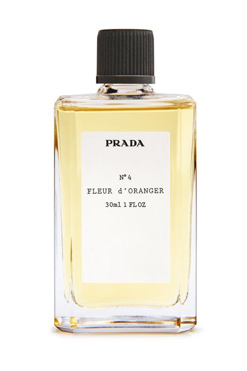 Package design(Prada, vialaragosta) #design #prada #package