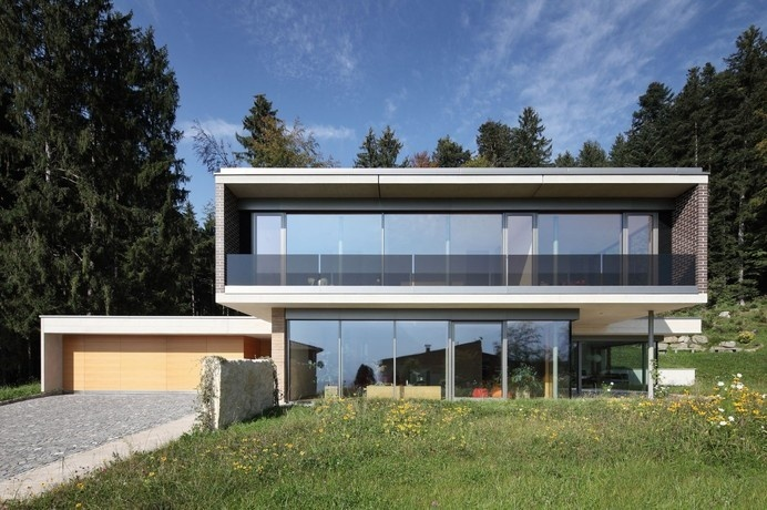 Contemporary House in Austria Exhaling Transparence With Staggering View Over the Mountains #mountains #architecture #contemporary