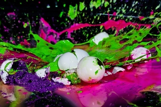 Eye-Popping Photos Capture Splattered Eggs Frozen in Time | Co.Design #glitter #smash #eggs #photography #cracked #neon