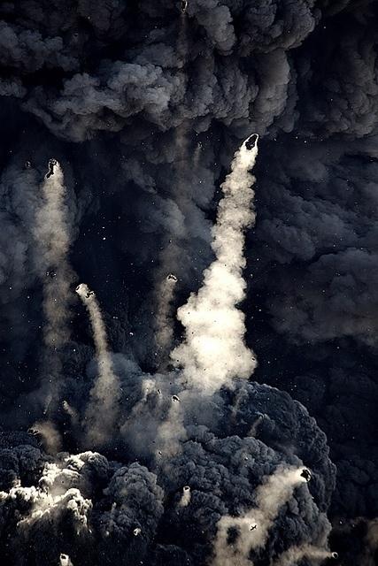 tumblr_lx99l30R8l1qh2sh4o1_500.jpg 427×640 pixels #explosion