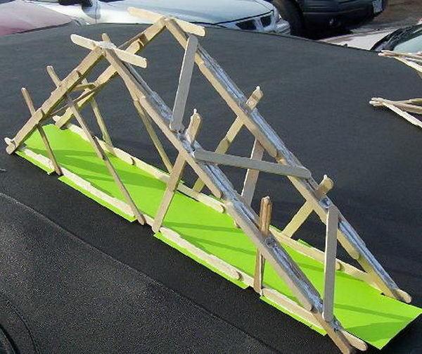 Diy Popsicle Stick Bridge Designs And Tutorials #craft #stick #popsicle #homemade #diy