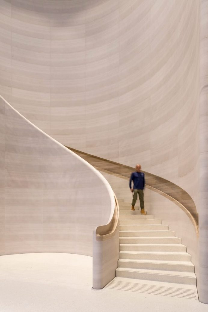 """Foster   Partners opens """"one of our greenest Apple spaces"""" in Singapore"""