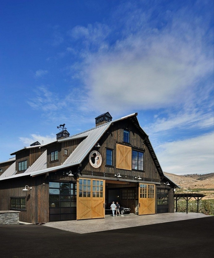 This Barn Retreat Combines Traditional Gambrel Barn Shapes with Contemporary Comfort Requirements