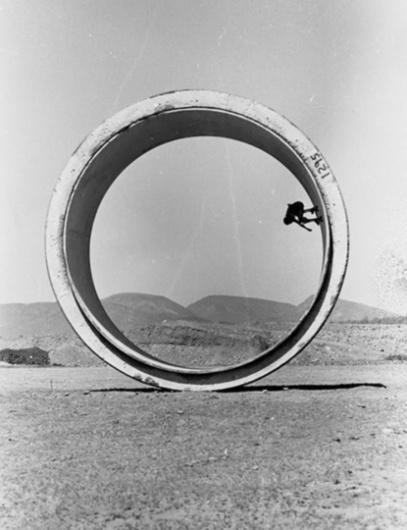 Baubauhaus. #white #black #skate #photography #and #circle