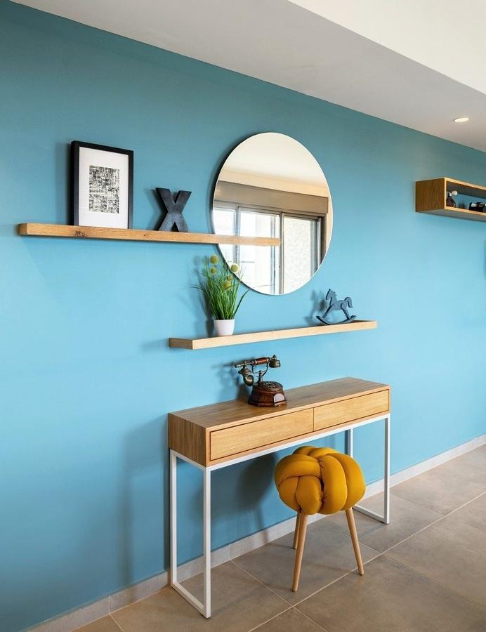 White Bricks - Blue Wall Apartment / EN Studio 5