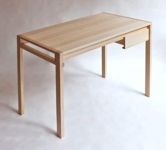 Desk by Sebastian Erazo Fischer #minimalist #design #desk #workstation