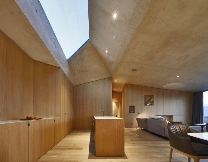Creative Extension to a Traditional South-Tyrolean Farmhouse 7