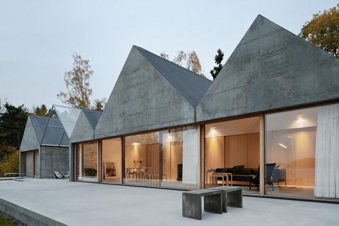 Concrete Summer House in Sweden Boasting a Zig-Zagging Profile #architecture