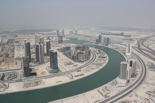 DESERTIC+CITY+joanne+pouzenc.jpg (JPEG Image, 700x466 pixels) #towers #urban #design #architecture