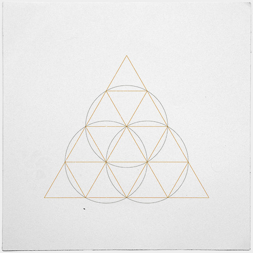 #306 Cyclops – A new minimal geometric composition each day