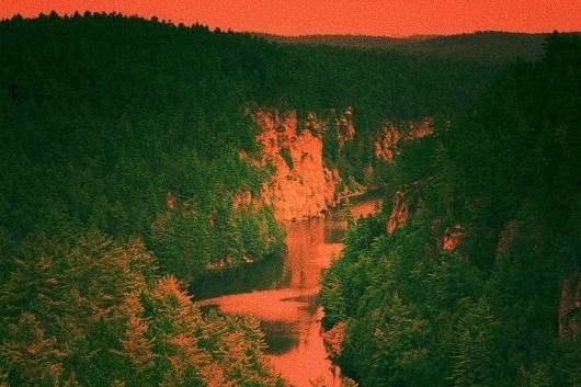 8 : Noran Bakrie #red #haunting #bakrie #landscape #scenery #photography #noran #forest #river