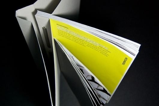 86ea0bf4cb2e606d149597ece7adbe16.jpg (578×384) #binding #design #book