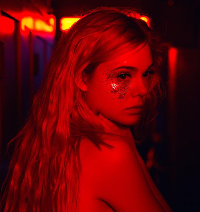 red neon demon