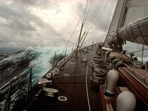 { i n s p i r a r e } #photography #boat #sea