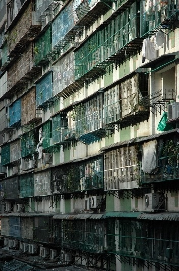 tumblr_m1h2rl8l4m1r8b6kso1_1280.jpg (JPEG Image, 680×1024 pixels) #architecture #facades