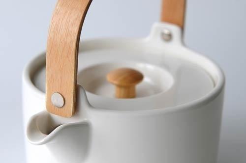 Oiva Teapot #marimekko #oiva #ruotsalainen #white #in #porcelain #sami #minimal #company #teapot #good