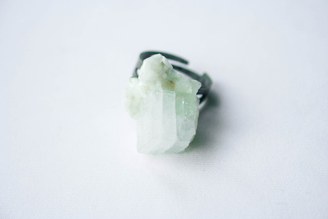 Firōzā Cube #crystal #pulse #design #frost #jewelry #parallel #ring #translucent