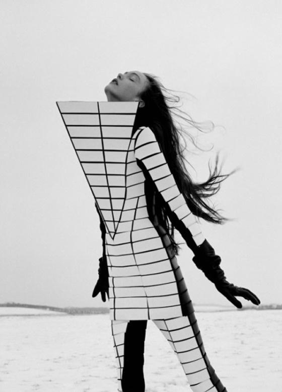 PATTERNITY_AM_16_BODYLINES_MEL BLES #fashion #lines #pattern #geometric