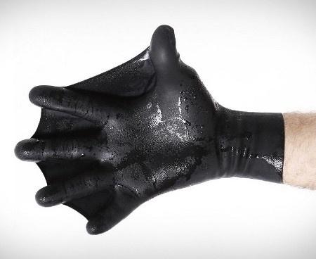 For The Furries Slimies: Webbed Gloves - Geekologie