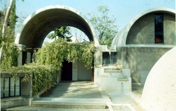 AD Classics: Sangath / Balkrishna Doshi #balkrishna #architecture #doshi #sangath