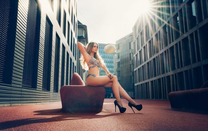 Gorgeous Lifestyle Portrait Photography by Chris Widmer