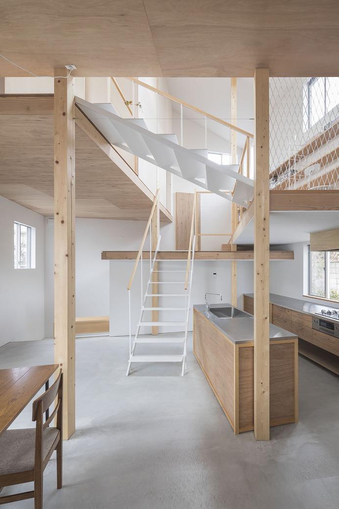 House in Hakuraku by Tato Architects