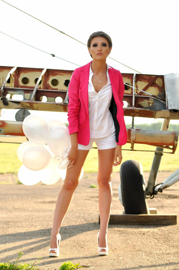 Fashion by ~Saju90 on deviantART #fashion #plane #girl